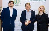 """Heinrich Zehetner mit """"IL MAGNIFICO – EQOO AMBASSADOR"""" als internationaler Olivenölbotschafter ausgezeichnet"""