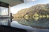 Neuer Panorama-Pool für das  Salzburger 4-Hauben-Genießerhotel
