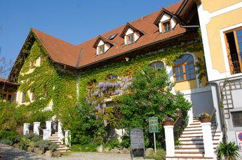 Genießerhotel und Weingut Sattlerhof