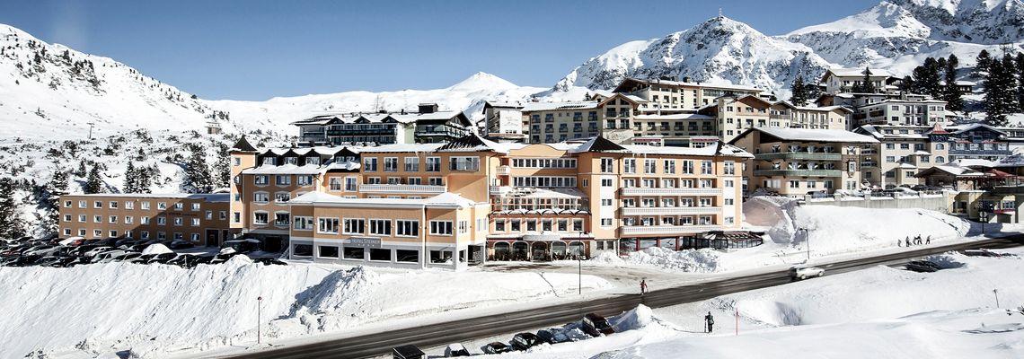 Die schönsten Familienhotels zum Skifahren lernen
