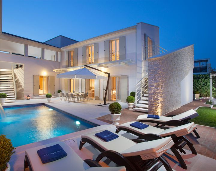 HMZ Luxury Villas